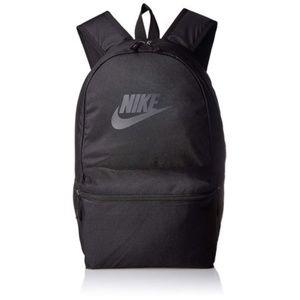 black nike backpack